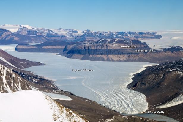 Taylor Valley, na Antártida. Imagem de Ross Sea Info.